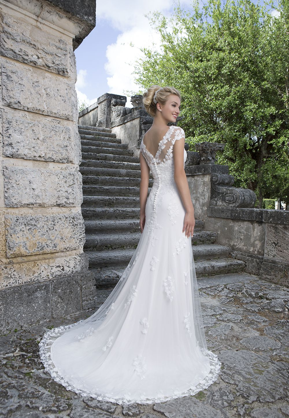The pretty 2016 spring/summer collection from Sincerity Bridal ...