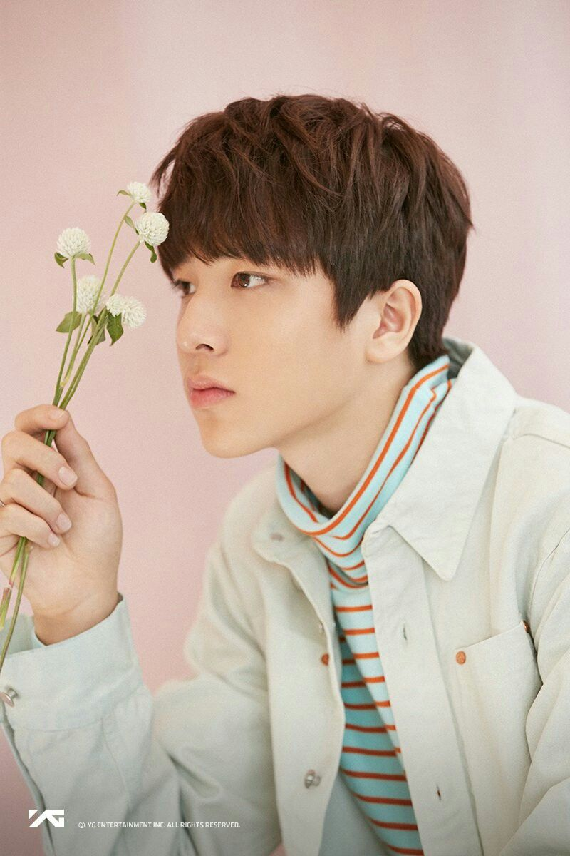 So Junghwan Flower Image Yg Treasure Box Ygtrainee Ygnbg Ygsilverboys Yg Treasure Treasure Junghwan Treasure Photoshoot