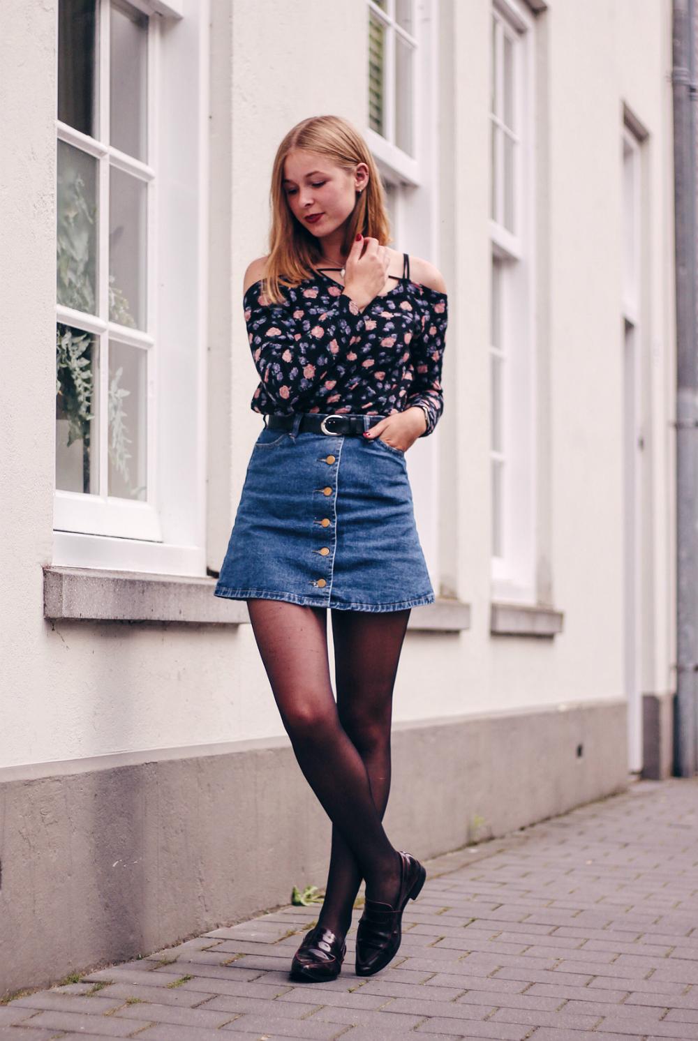 Fashion week Shirt Denim and black skirt for girls