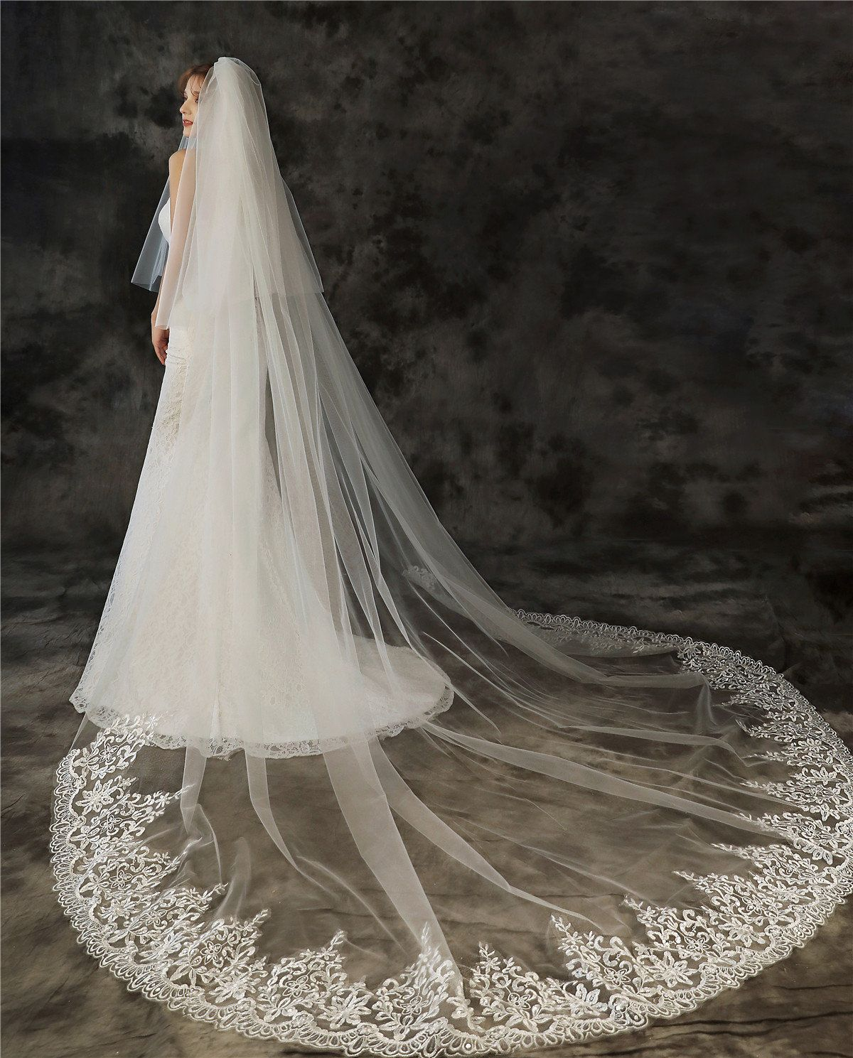 Extra long cathedral with double scallop lace.