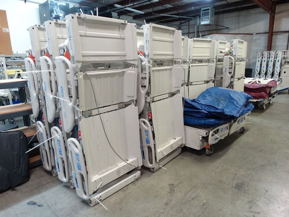Hill Rom P3200 Versacare Hospital Bed with P500 Mattress