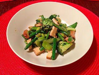 Caroline's Kitchen: Sesame Ginger Green Machine Stir Fry