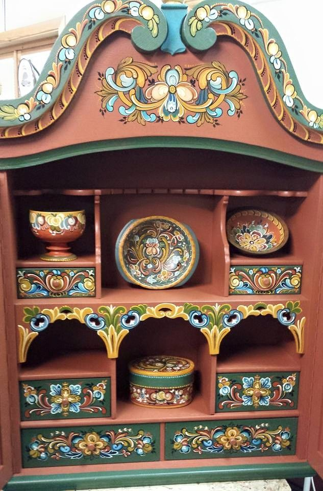 Display chest with drawers & shelves - complementary colors & styles of rosemaling