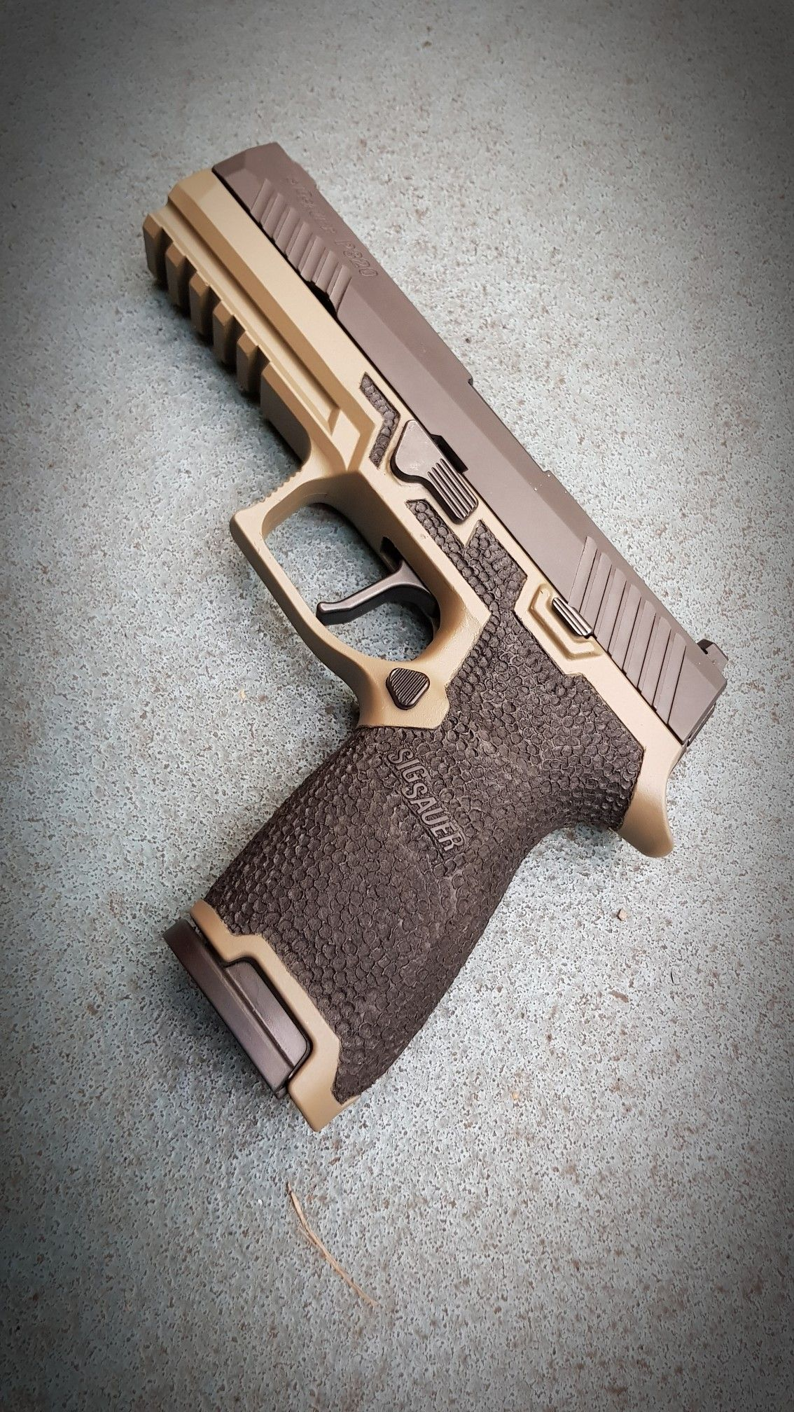 Pin by RAE Industries on speed loaders and magazies | Guns, Hand
