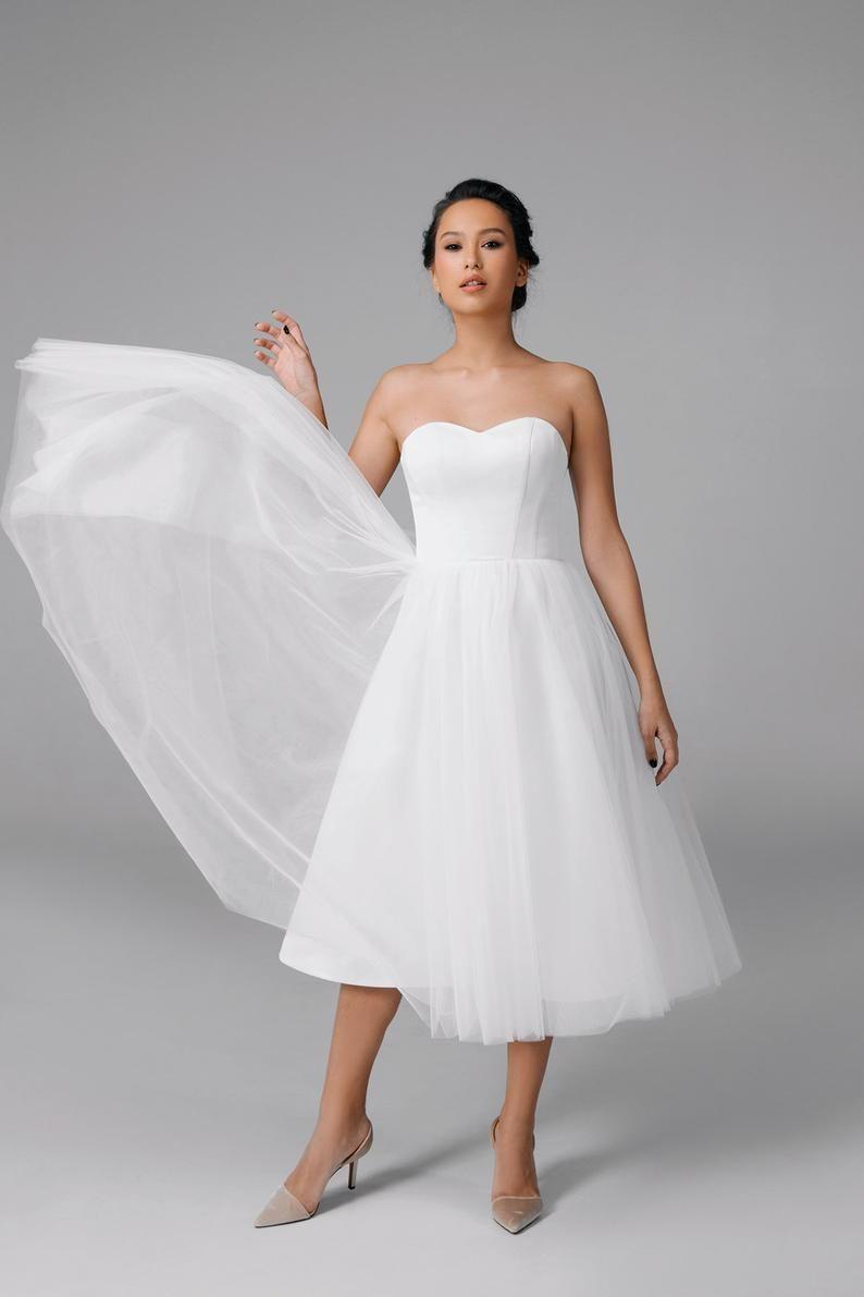 Short Wedding Dress Strapless Wedding Dress 50s Wedding Etsy Short Wedding Dress Wedding Dresses Tulle Wedding Dress [ 1191 x 794 Pixel ]