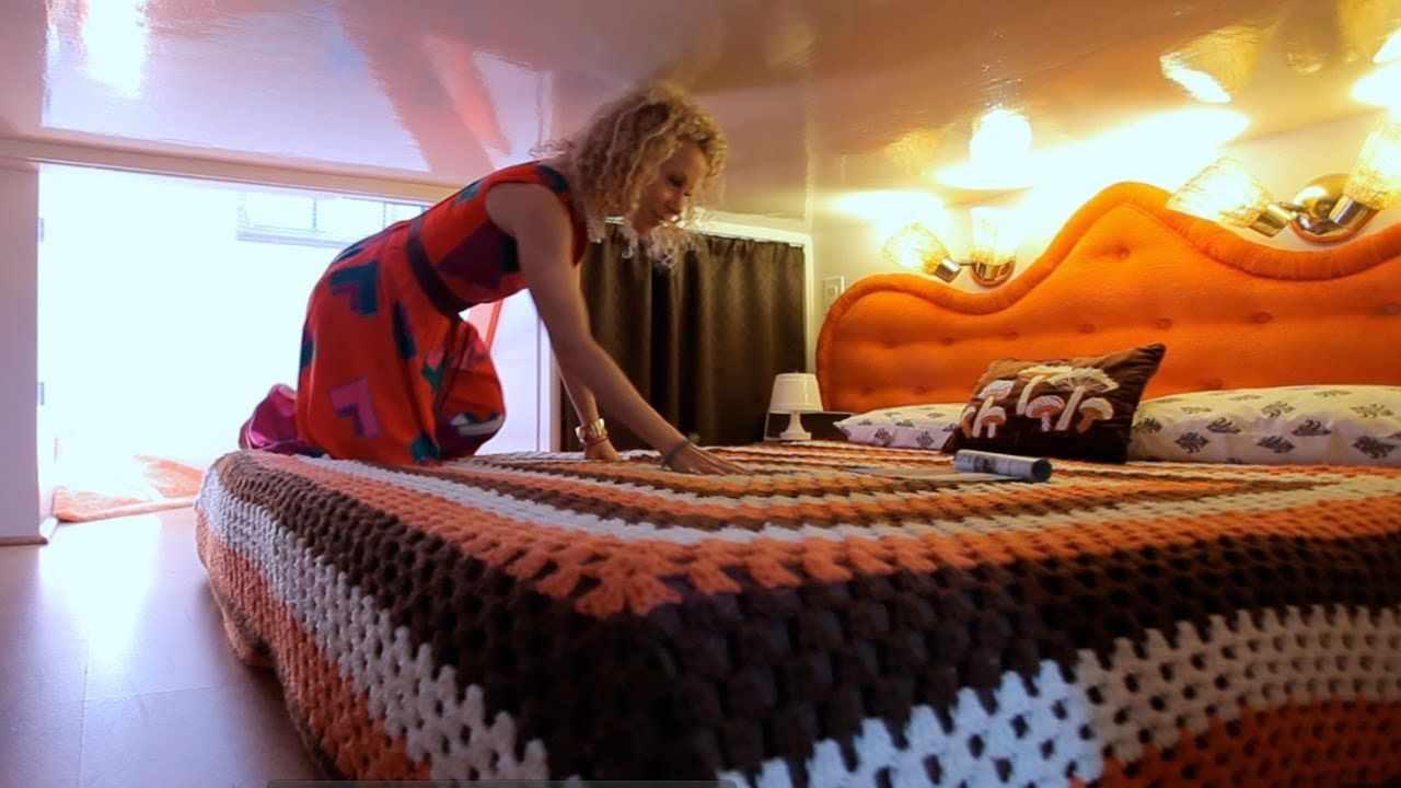 Tiny Eclectic Amazing Spaces - The Retro Metro video | Tiny House ...