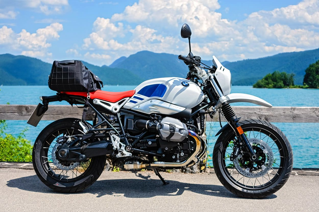 ride report the new bmw r ninet urban g s motorcycling. Black Bedroom Furniture Sets. Home Design Ideas