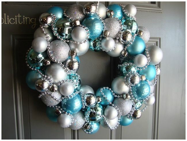 How To Easily Make Your Own Awesome Christmas Wreaths | Wreaths ...