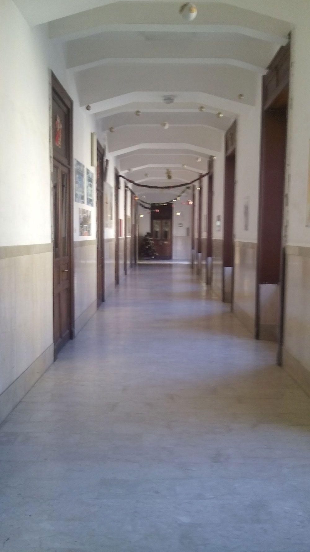 I proverbiali corridoi della scuola.