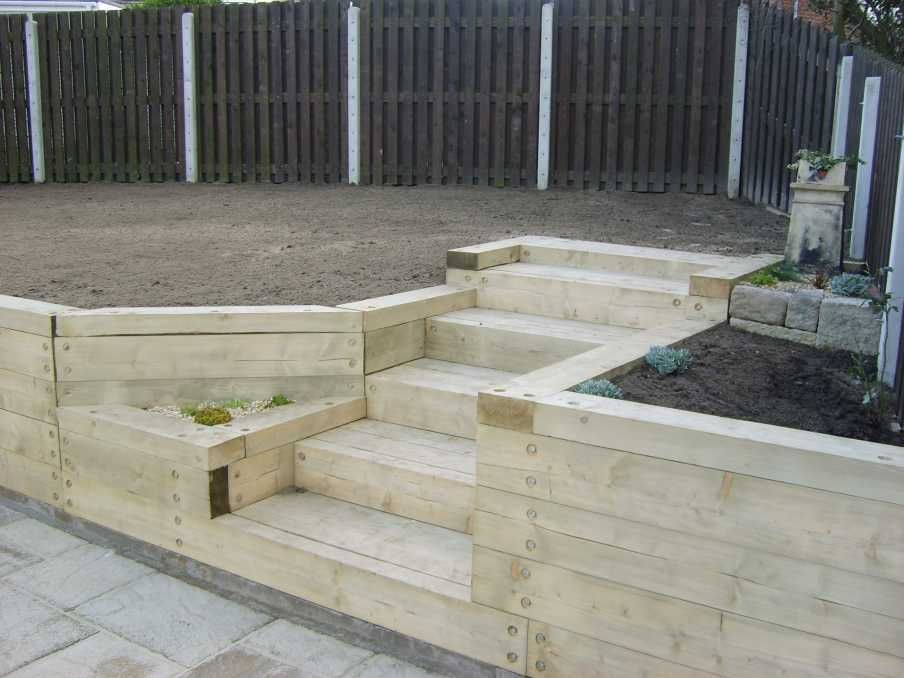 Magic garden 39 s landscaping with railway sleepers food for Garden designs with railway sleepers