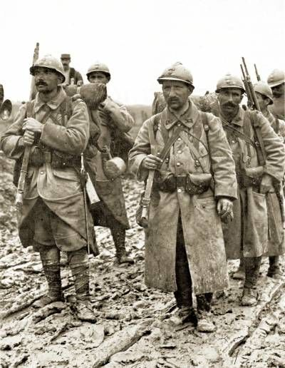 French soldiers after spending a few days on the front - Battlefield 1 french soldier ...