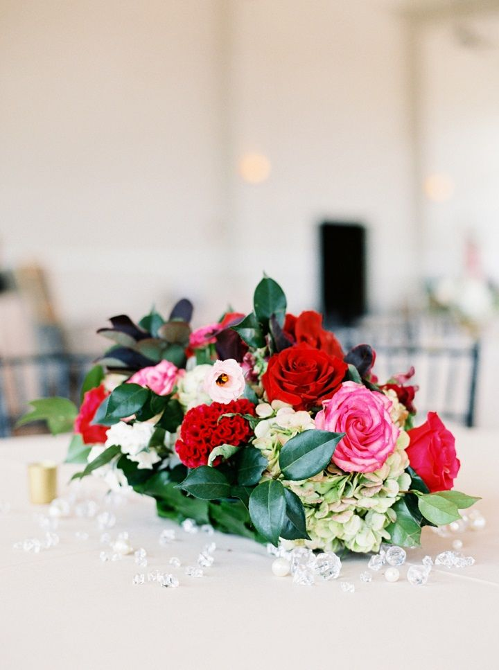 Fall wedding centerpieces in gold vase | itakeyou.co.uk