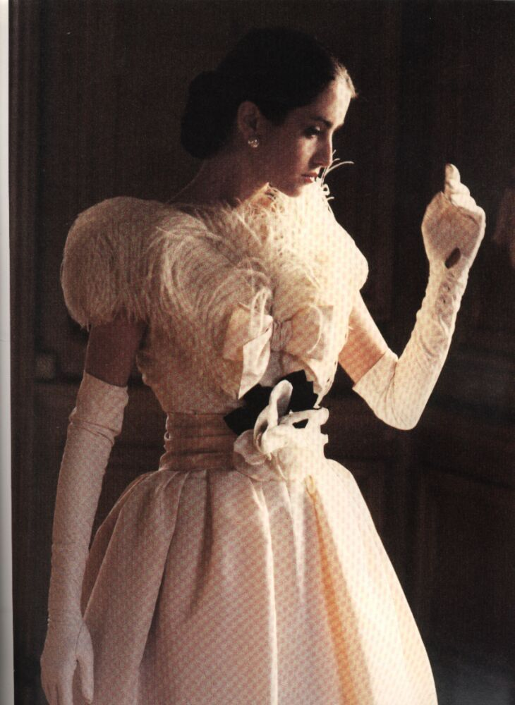 dior black swan 1957.1950s fashion