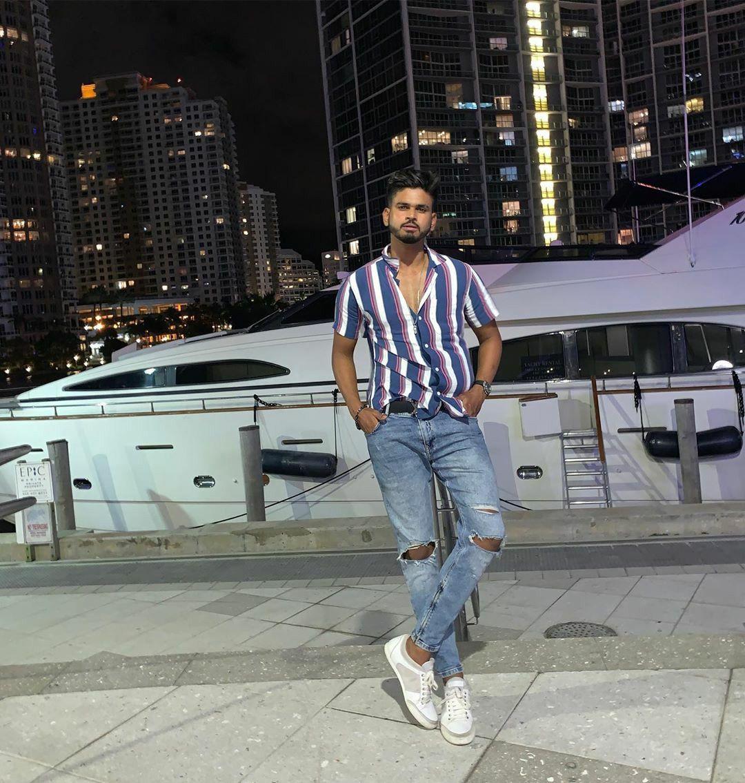Shreyas Iyer ÇÅ🏏 Mom jeans, Fashion, Stripe