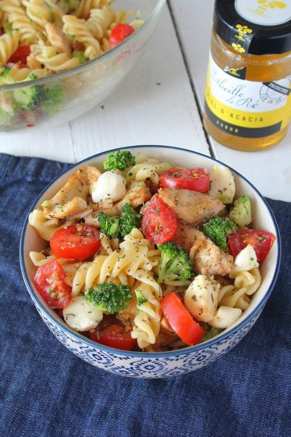 Salade de p tes aux brocolis tomates cerises poulet au miel plats desserts et fondant for Recette mojito grande quantite