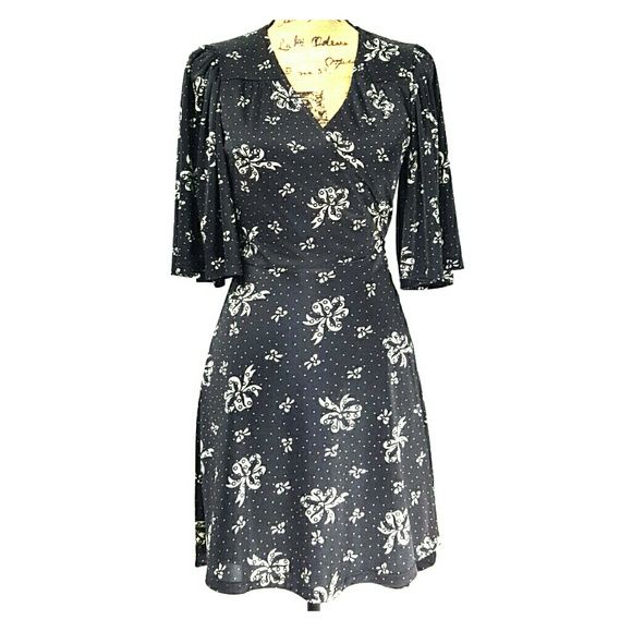 "Betsey Johnson Kimono Style Wrap Dress #Betseyjohnson #kimonostyle #kimonodress #wrapdress #dress #bowpattern. This dress is adorable.  Nothing wrong with it.  You can wrap the attached belt once or twice pending on type of bow you want. Bottom hem comes just above the knee (I'm 5'-4"") Betsey Johnson Dresses"