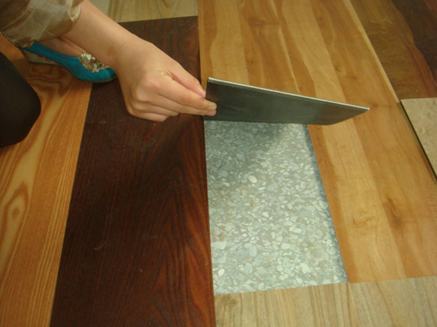 Has your vinyl floor been damaged repairing is easy if for Plastic kitchen flooring