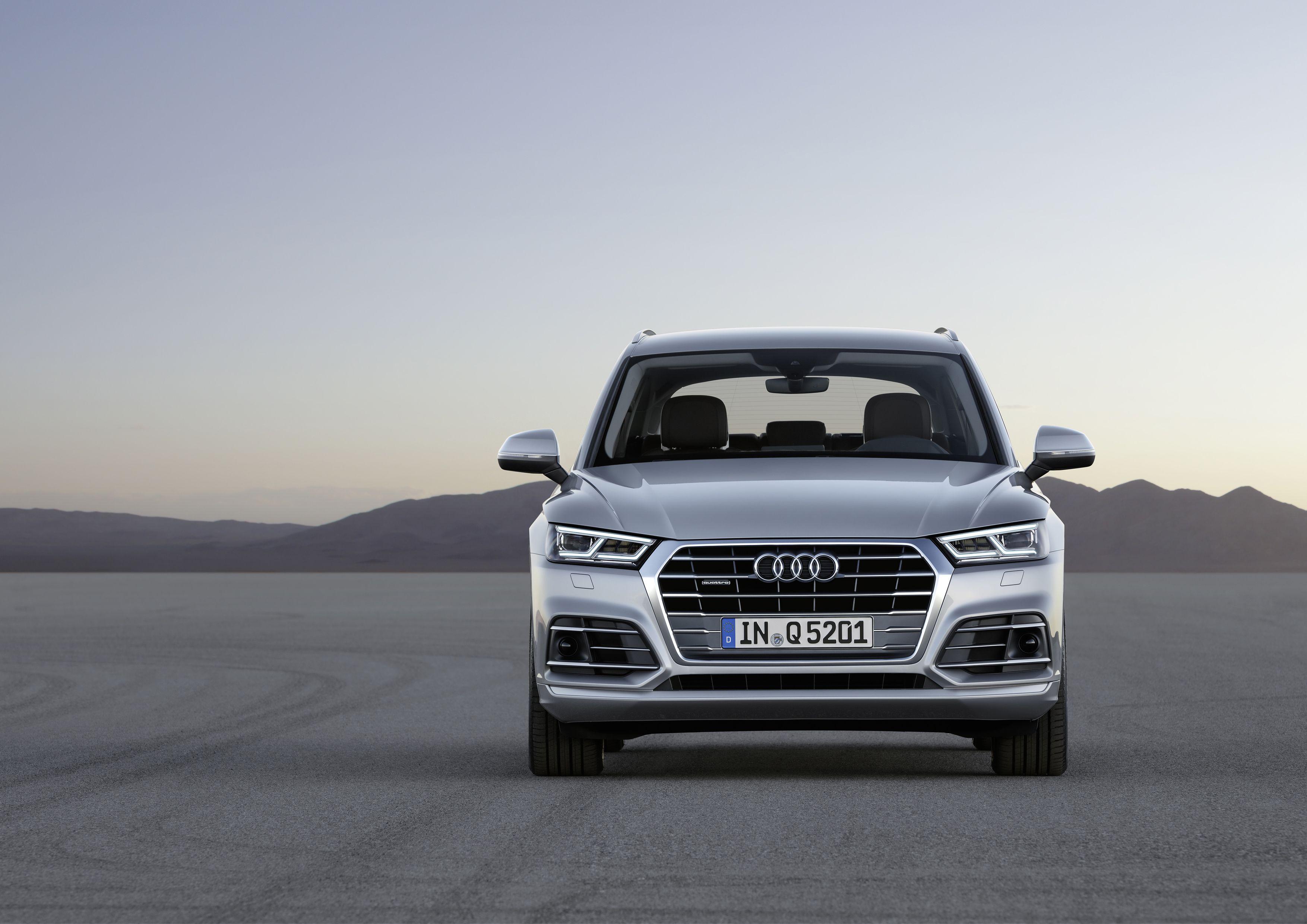 2021 Audi Q5 Facelift Sportback Phev Price In 2020 Audi Q7 Audi New Audi Q7