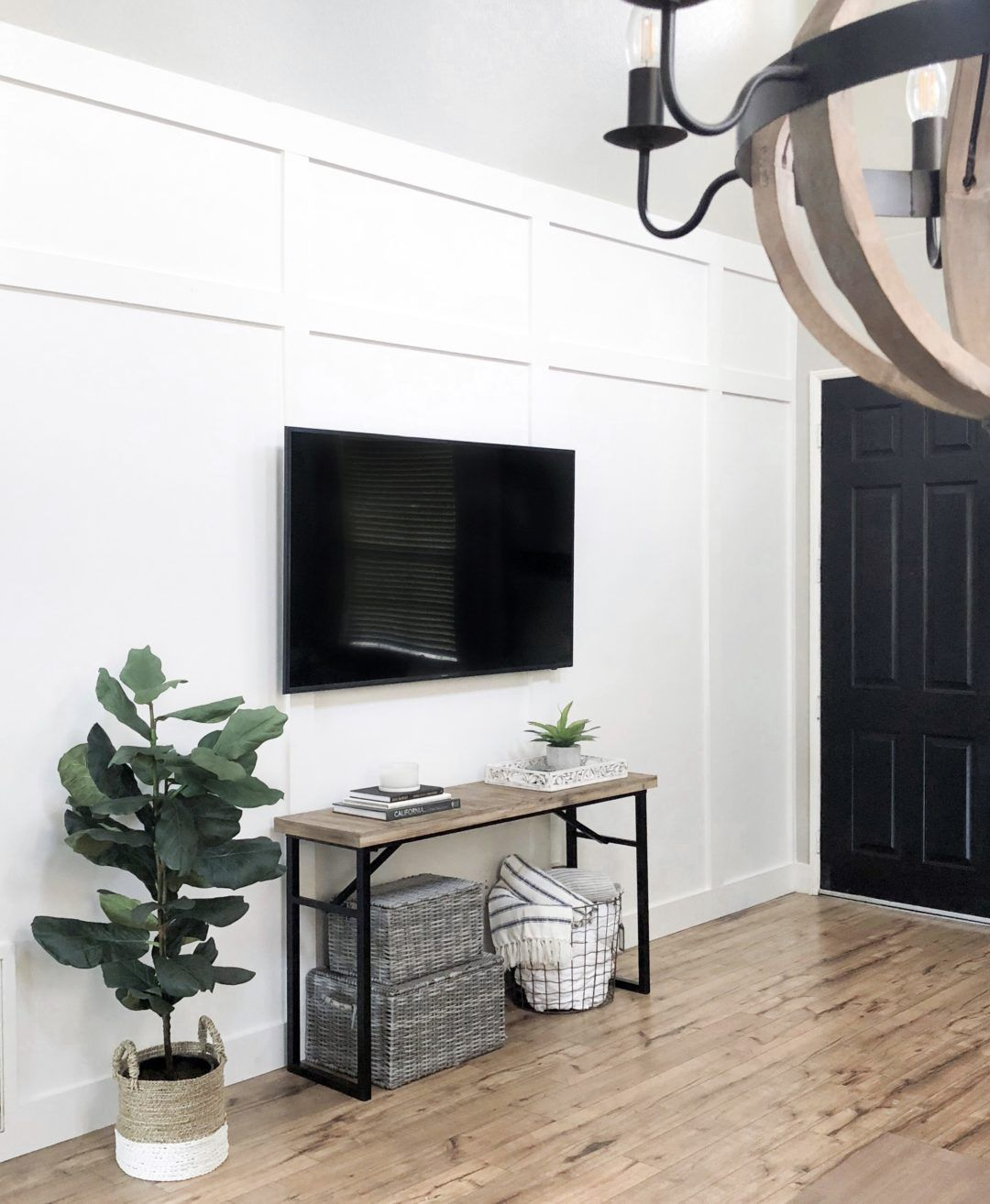 Accent Wall With Batten And Slidinf Door: Accent Walls In Living Room