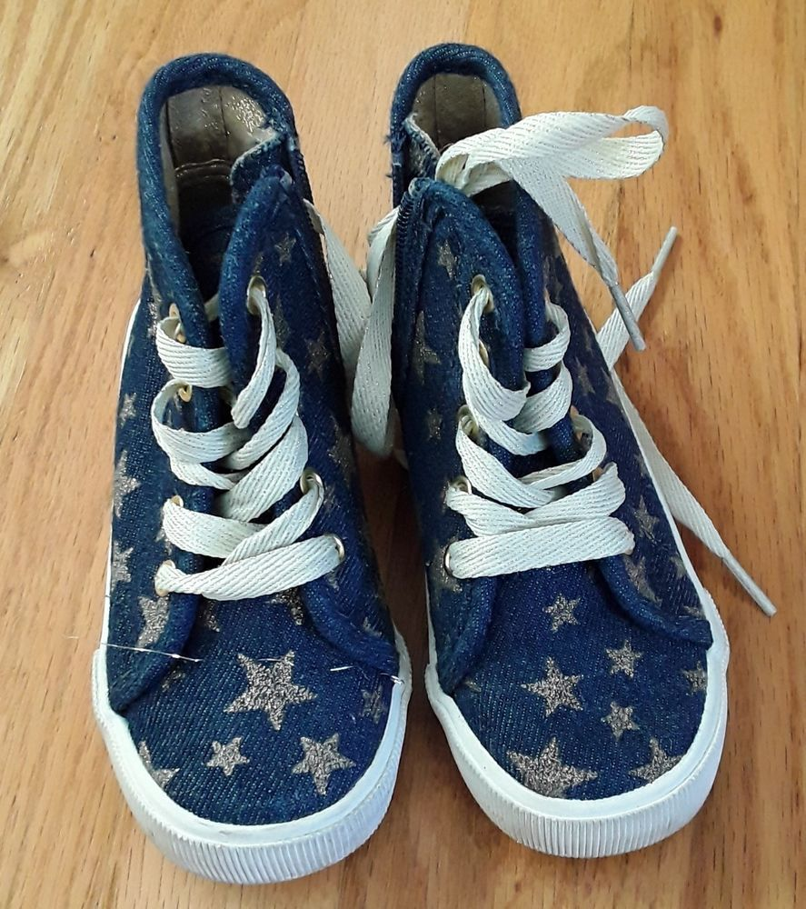 Girls shoes size 9 with stars and jeans