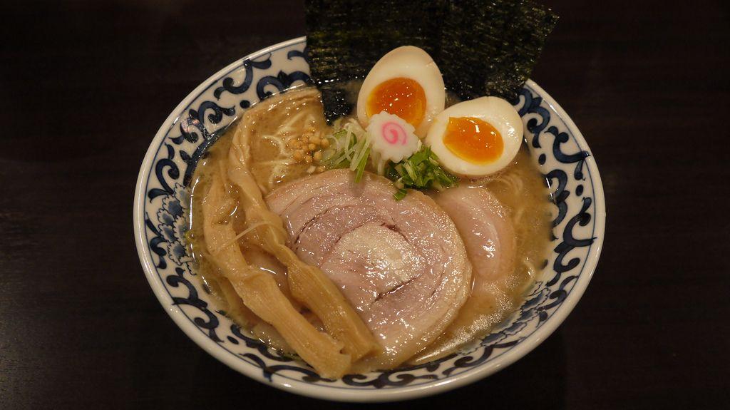 豚骨魚介 東京駅らー麺@斑鳩 (東京)