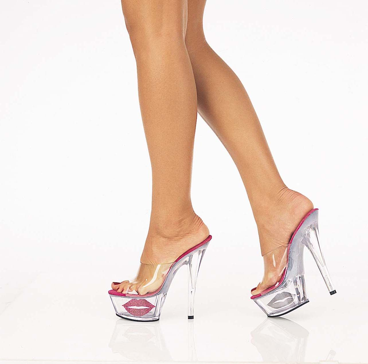 how to wear clear shoes