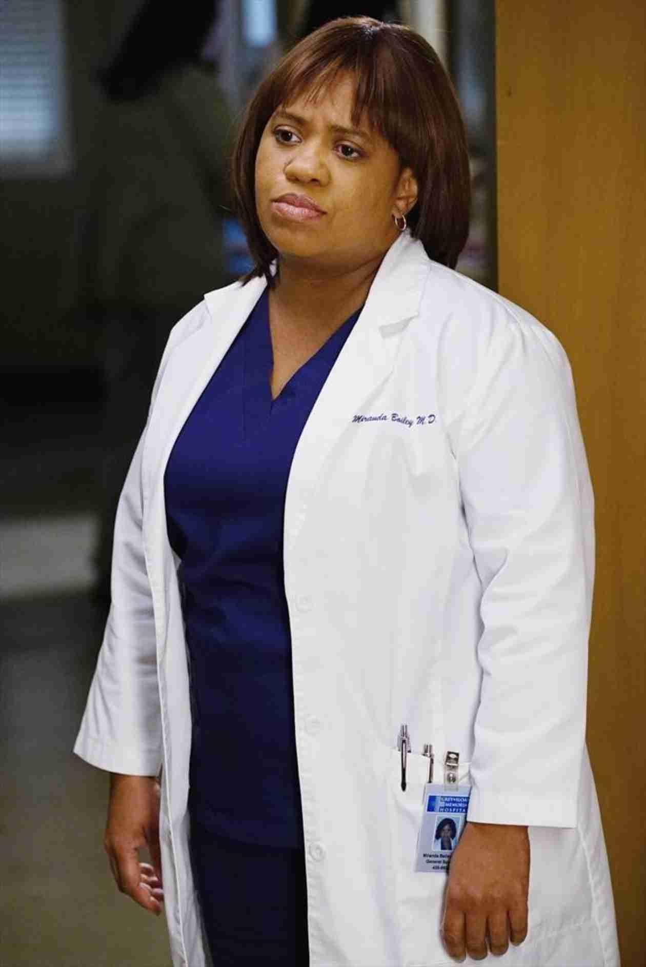 Bailey Looks Empathetic in Grey\'s Anatomy Season 11, Episode 12 ...