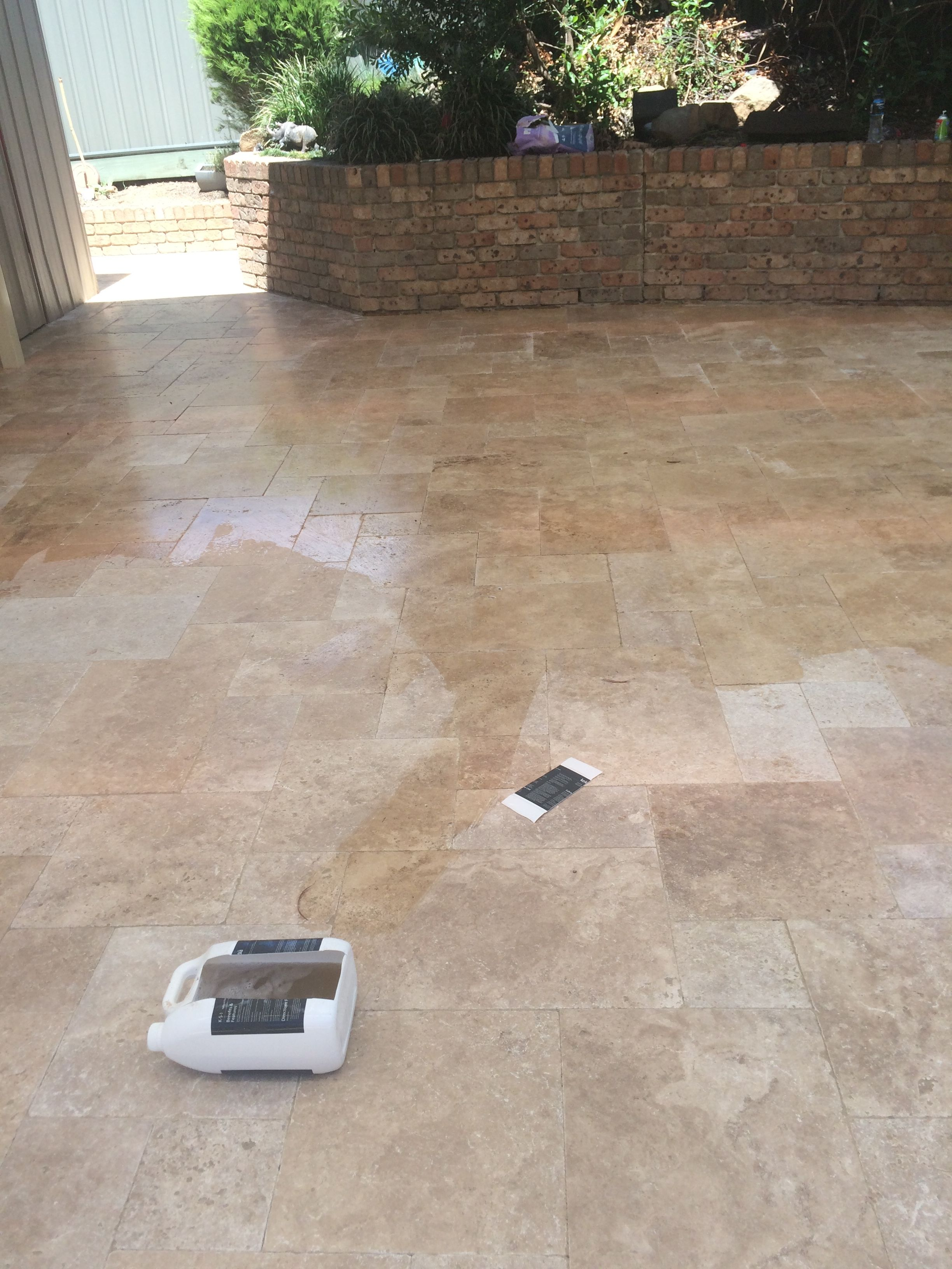 how to cut travertine pavers