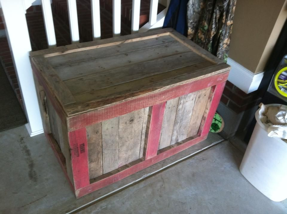 Pallet Storage Box #oldpalletsforcrafting