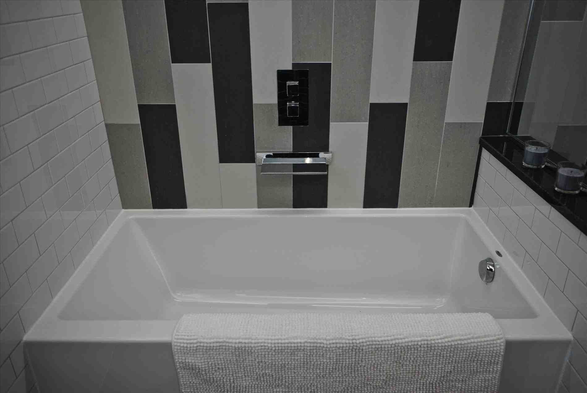 New Post Square Tub Visit Bathroomremodelideassclub