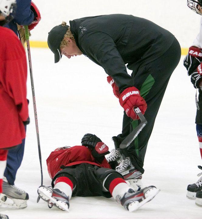 Justin Abdelkader Helps Teach Griffins Youth Hockey Camp Youth Hockey Hockey Camp Hockey