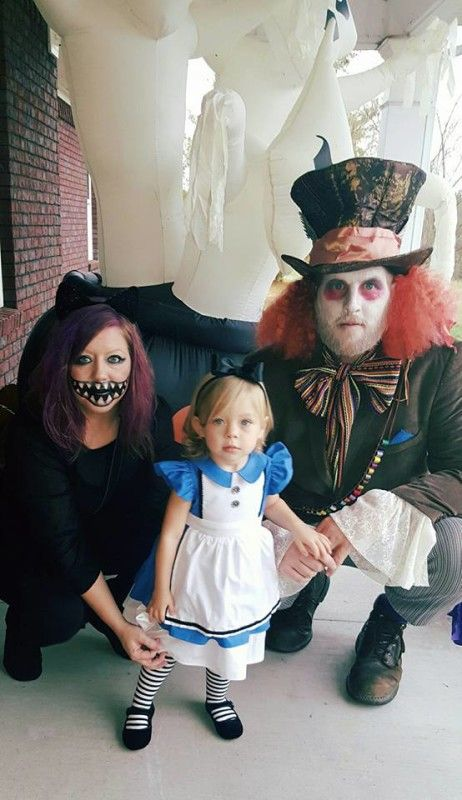 13 Of The Absolute Coolest Family Halloween Costume Ideas Right