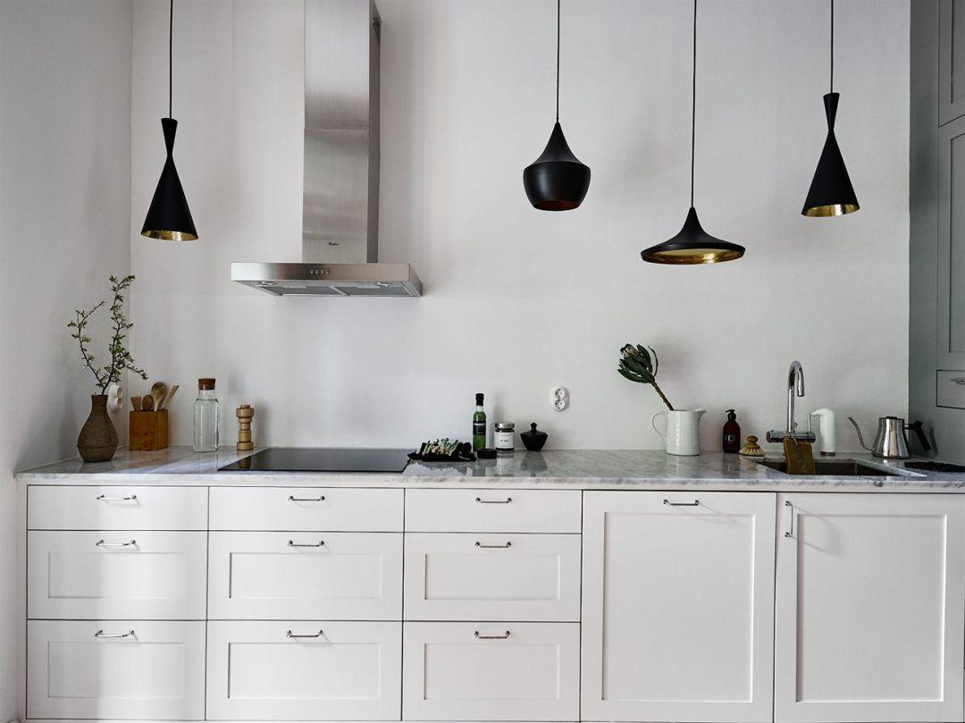 L mparas colgantes sobre la encimera iluminacion cocina for Iluminacion encimera