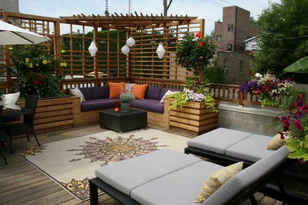 lounge terrasse wie im boutique hotel viele blumen lila ...