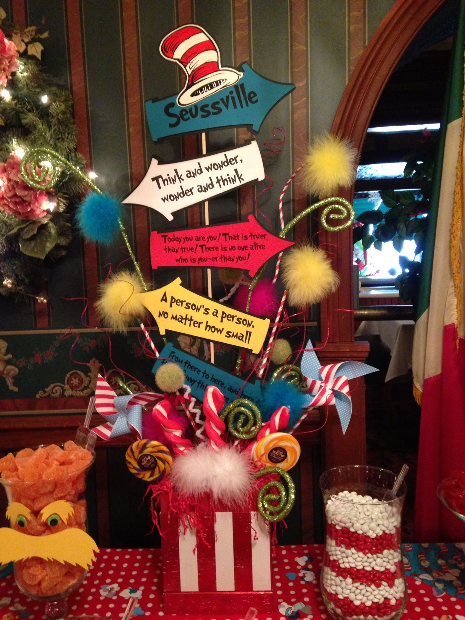 Gmail themes holiday - Dr Seuss Party Theme