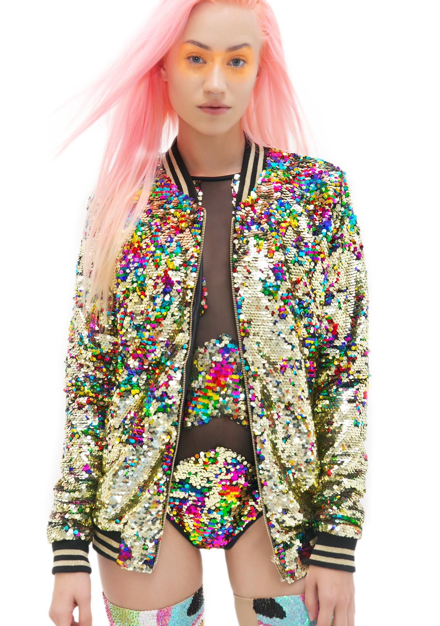 Jaded London Rainbow Sequin Bomber Jacket yer kandi-coated rain drops bb. This sik af fully-lined jacket features gold sequin all over with rainbow embellished accents that's just purely magical with every move. In bomber-style fashion, this long n' relaxed bb has varsity ribbed banding at the neck and cuffs, and a zip up front fer da perfect show-stoppin' touch.