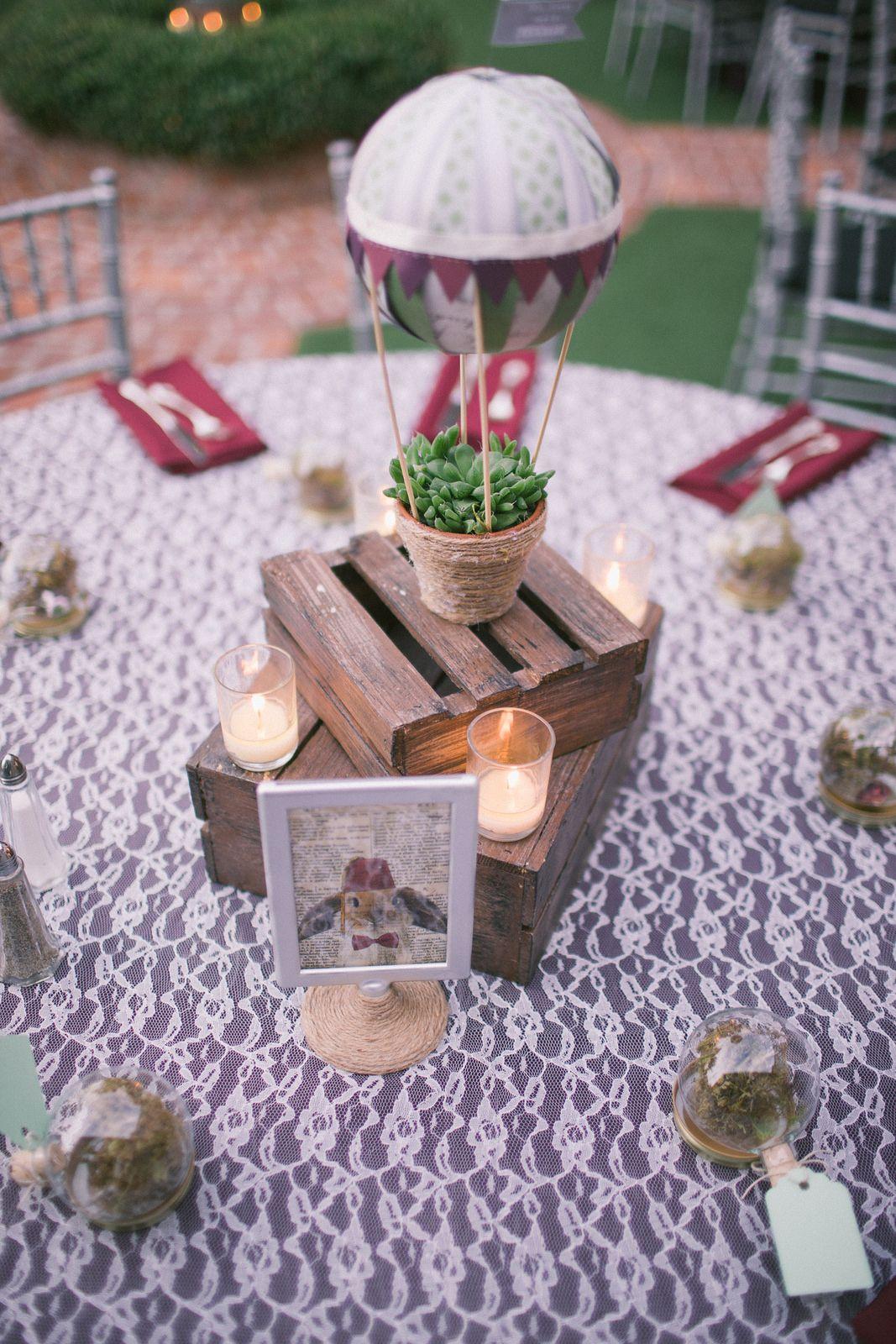 Vintage style wedding decoration ideas  Karina u Taylorus vintage style music and zombies wedding  Zombie