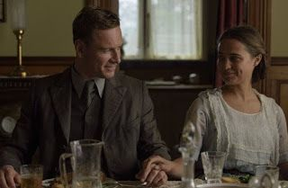 """Michael Fassbender and Alicia Vikander in """"The Light Between Oceans""""  (2016)"""