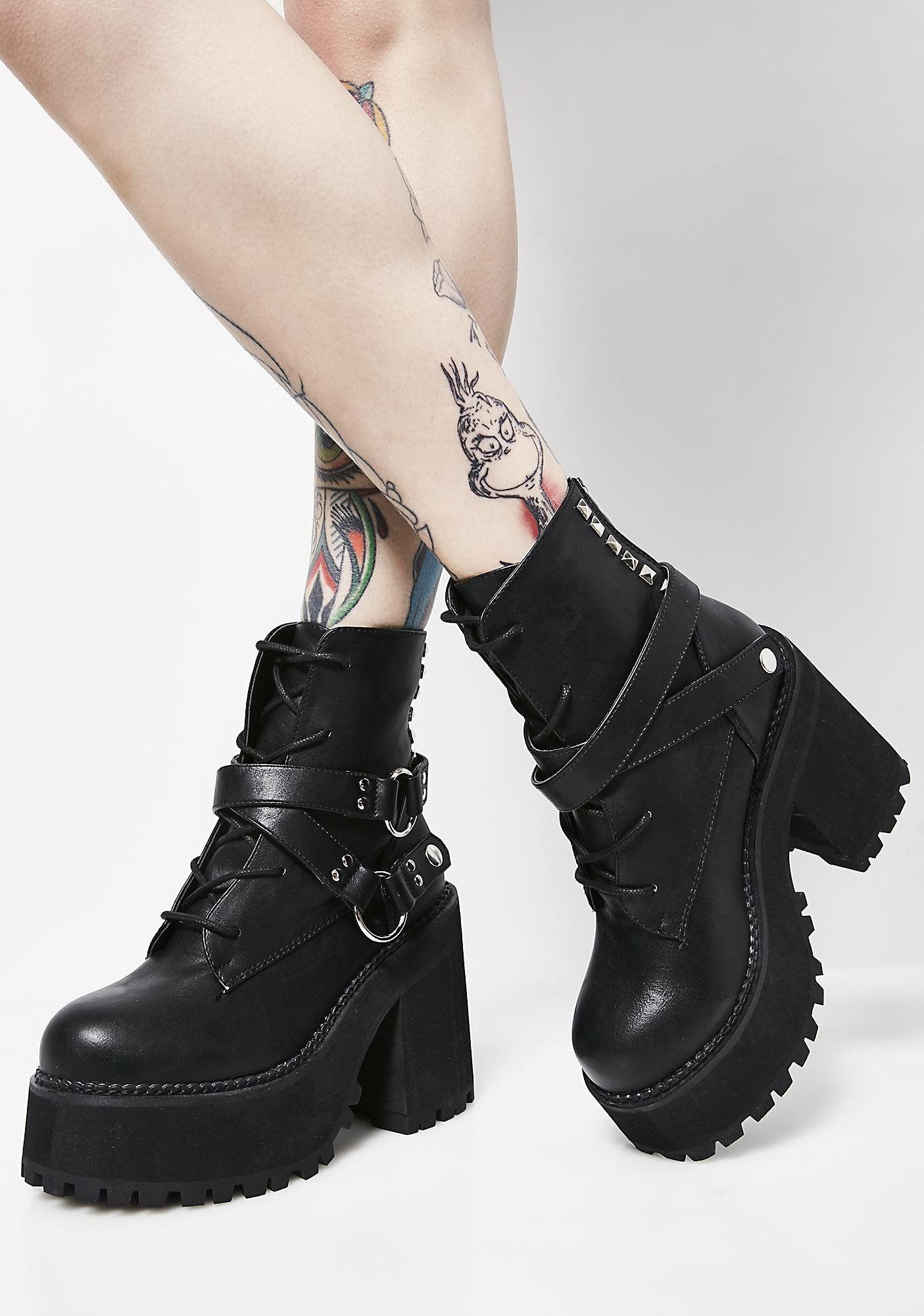 fadd13b98b56 Demonia Reign Of Terror Platform Boots