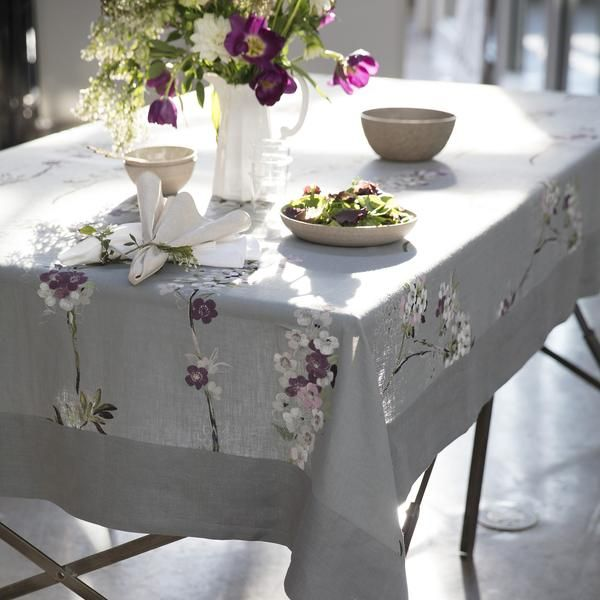 Mode Living Positano Gray with Floral Tablecloth 70 x 144