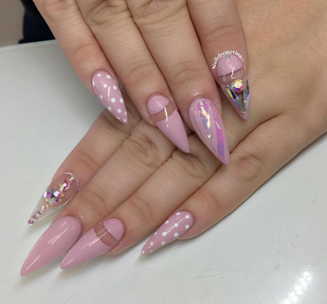Pin von Ruben Carrillo auf Ovel & Stiletto Nails | Pinterest