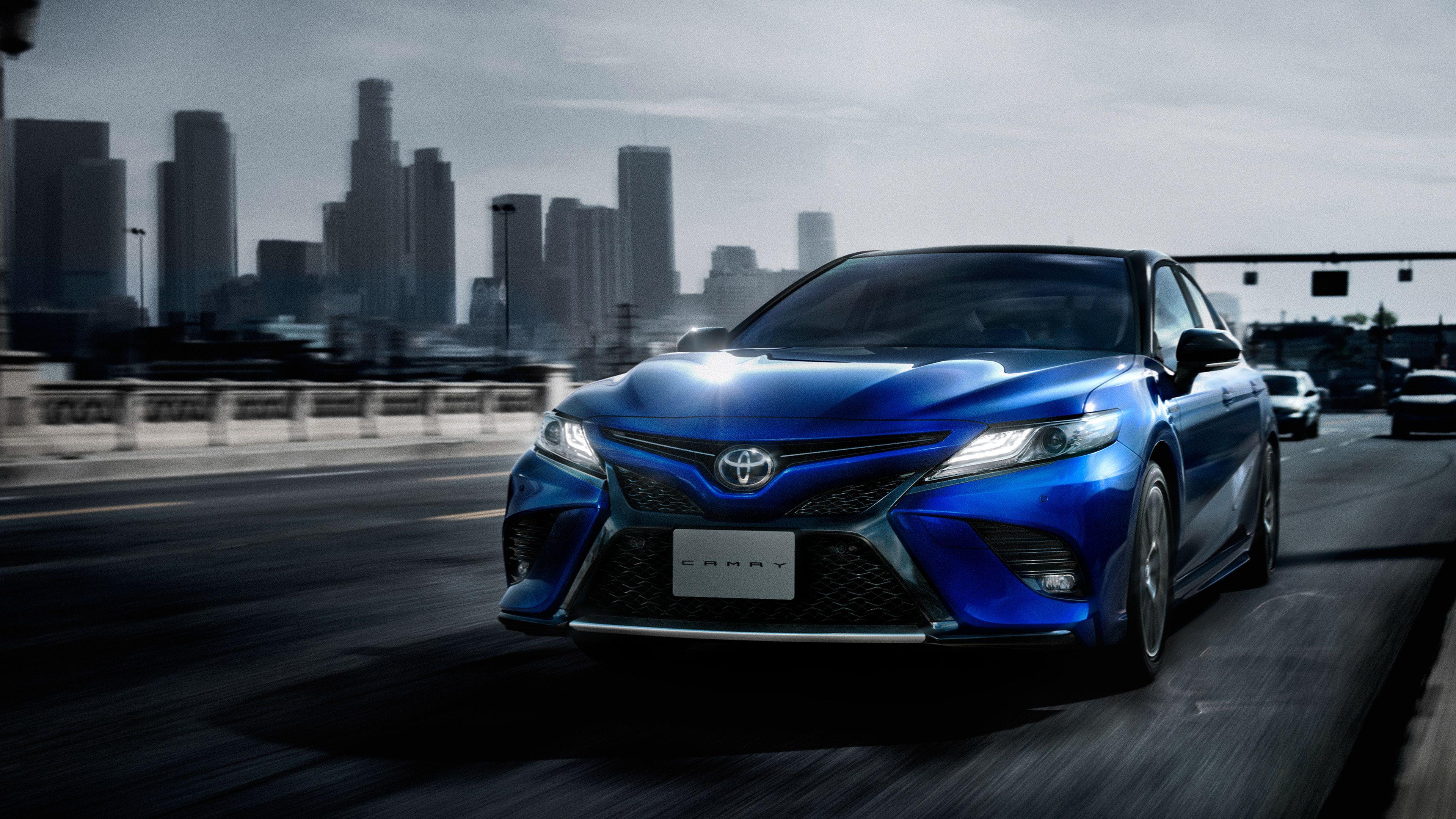 Toyota Camry Hybrid Wallpaper di 2020