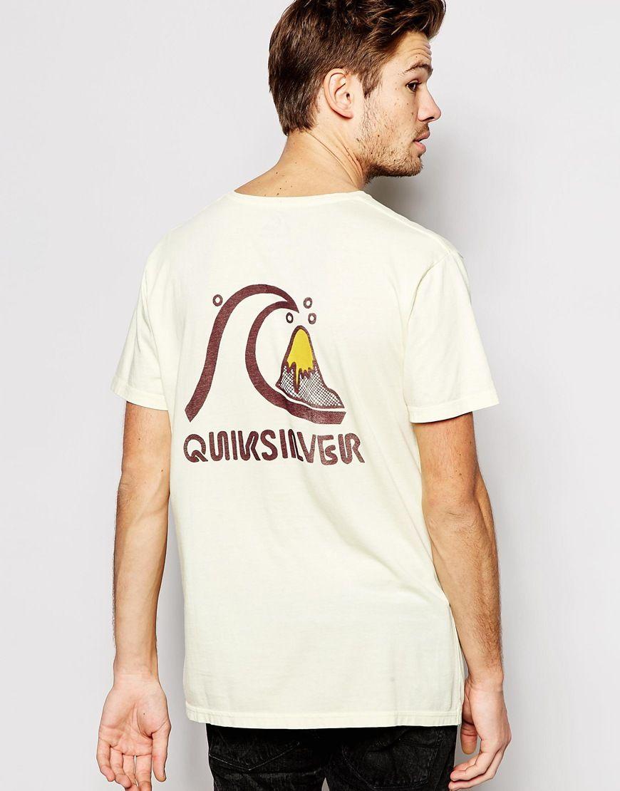 T-Shirt von Quiksilver weiches Jersey Rundhalsausschnitt mit Logoaufdruck reguläre Passform - entspricht den Größenangaben Maschinenwäsche 100% Baumwolle Model trägt Größe M und ist 183 cm/6 Fuß 0 Zoll groß