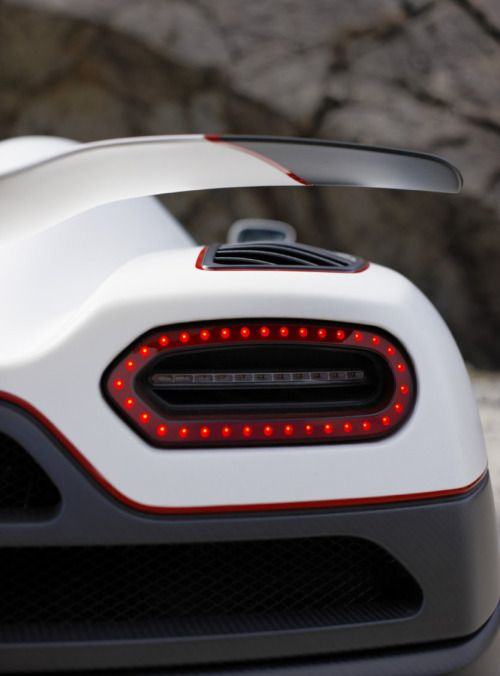 http://www.motorauthority.com/news/1065786_koenigsegg-agera-r-sets-6-new-production-car-speed-records