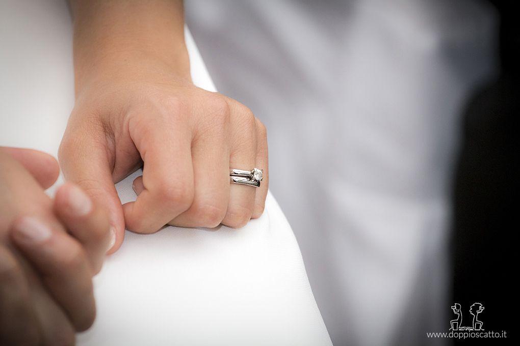 Fede In Primo Piano Anelli Di Fidanzamento Anello Uomo Matrimonio