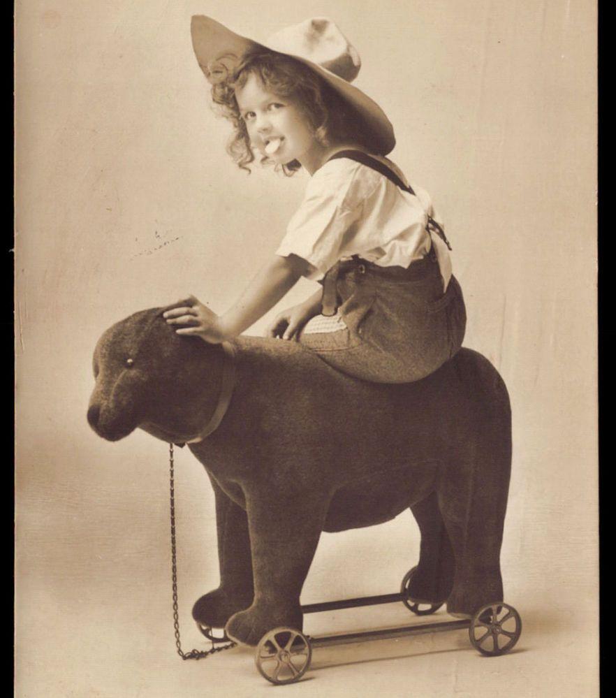 1910s PHOTO Postcard CHILD w/ WHEELED PULL TOY big Stuffed Bear STEIFF