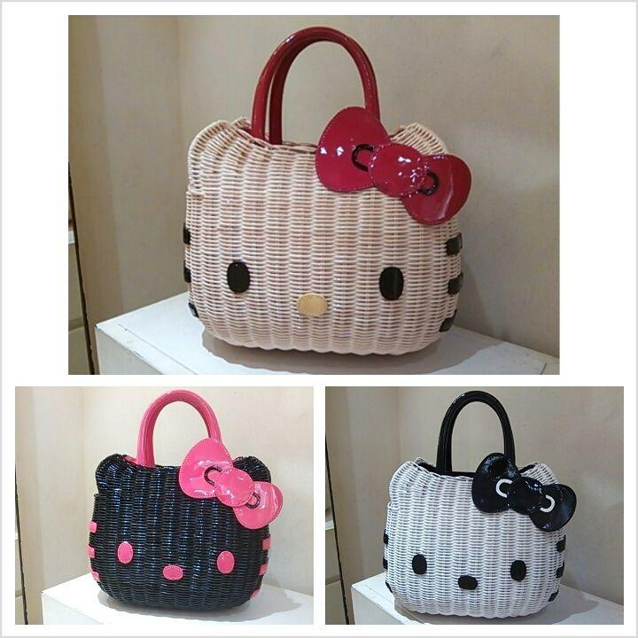 Hello Kitty bags! ^^