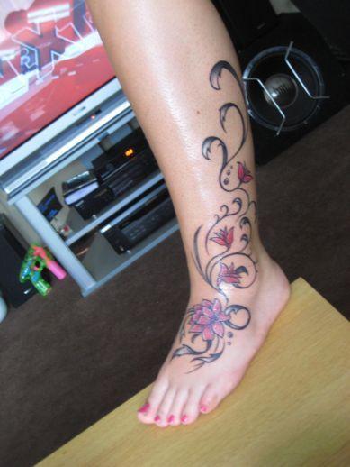 Kwiaty Na Nodze Flowers Tattoos Tattoos Tatuaże
