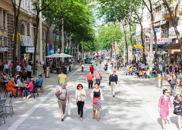 Vienna Unveils Longest Shared Space in Europe