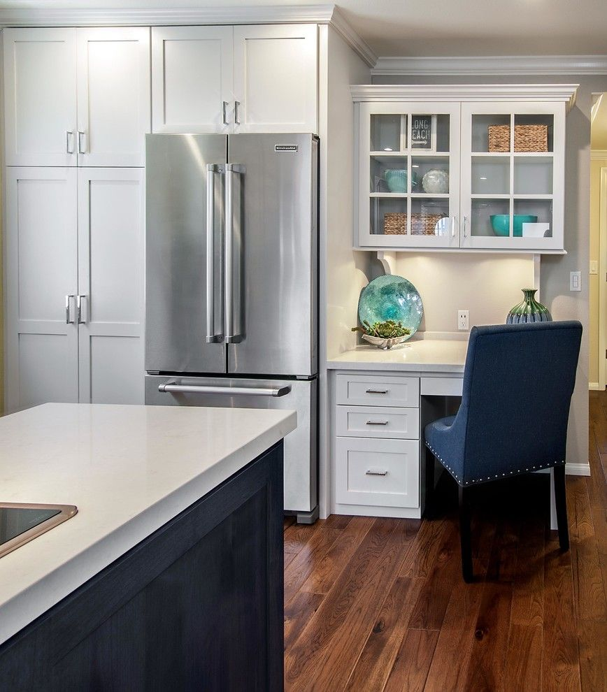 Built in desk cabinets kitchen beach with beach cottage - Kitchen built in cupboards designs ...